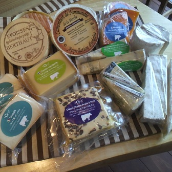 今回入荷のチーズです_b0016474_12385728.jpg