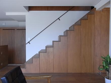 『横塚の家』 リビング階段_e0197748_16115185.jpg