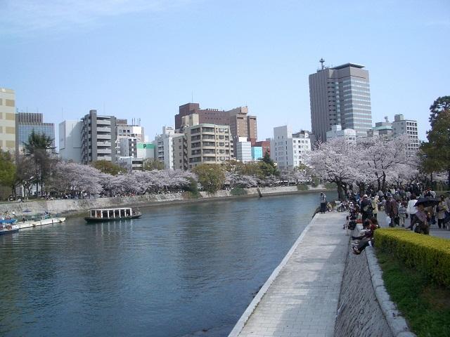 お花見散歩_a0047004_6204658.jpg