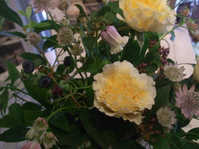 オークリーフ花の教室(近藤さんの作品)_f0049672_1505061.jpg