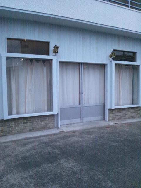 机のひきだし修理とカーテン完了とお支払い完了_c0246783_2213892.jpg