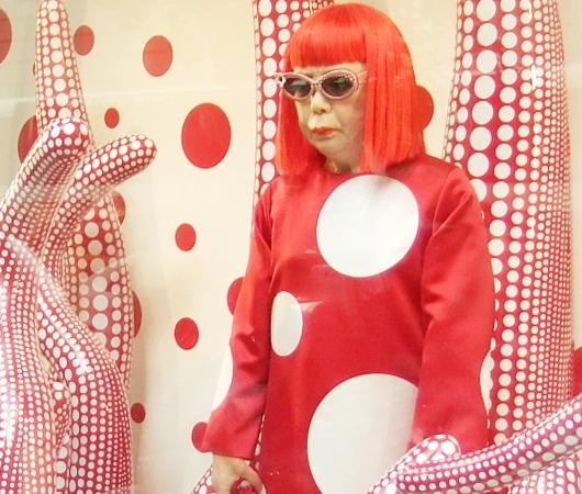 草間彌生さんとルイ・ヴィトンがニューヨーク旗艦店でキャンペーン_b0007805_13414480.jpg