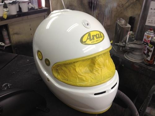四輪用ヘルメットのペイントもしますよ!_a0164918_22554419.jpg