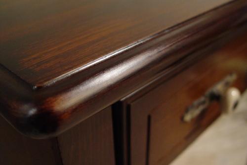 濃い茶色・木製引き出し付き・小ぶりなデスク 入荷!_a0096367_20124945.jpg