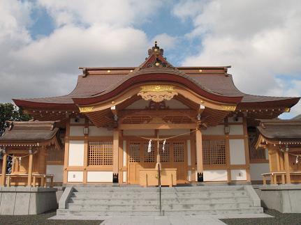 6月に伊佐智佐神社の新しい社殿...