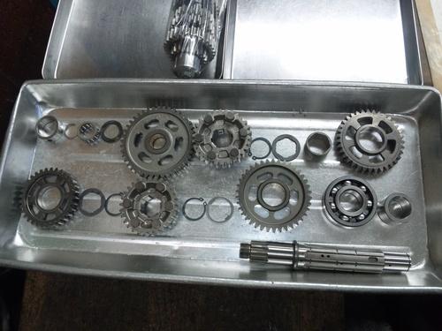 GPZ900R エンジンオーバーホルですなっ。その4_a0163159_2251810.jpg