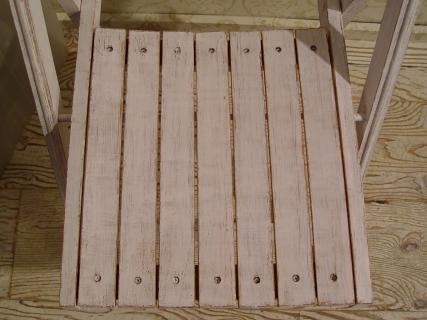 白ペンキ・木製折りたたみイス 2脚仕上がりました!_a0096367_21235134.jpg