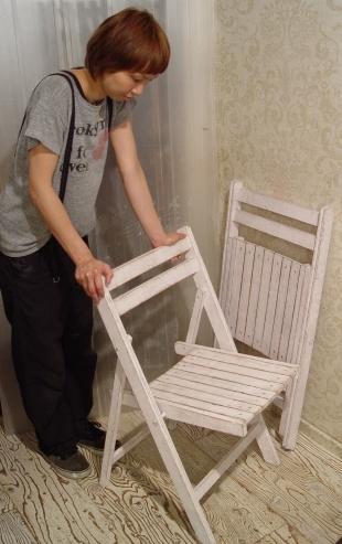 白ペンキ・木製折りたたみイス 2脚仕上がりました!_a0096367_2134167.jpg