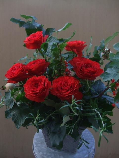 オークリーフ(薔薇のアレンジメント)_f0049672_1263729.jpg