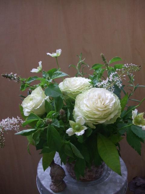 オークリーフ(薔薇のアレンジメント)_f0049672_1273363.jpg