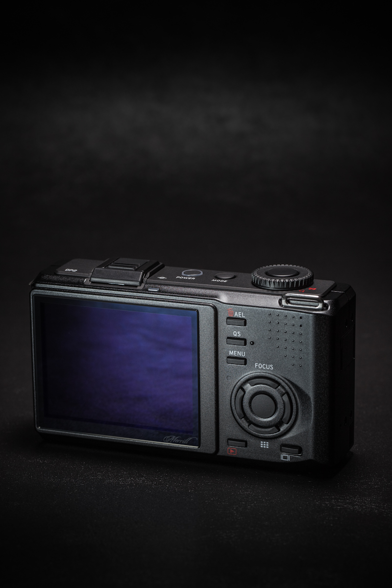 脱フィルム、脱コシナ、そして、SIGMA DP2 Merrillを購入!!_b0213320_193588.jpg