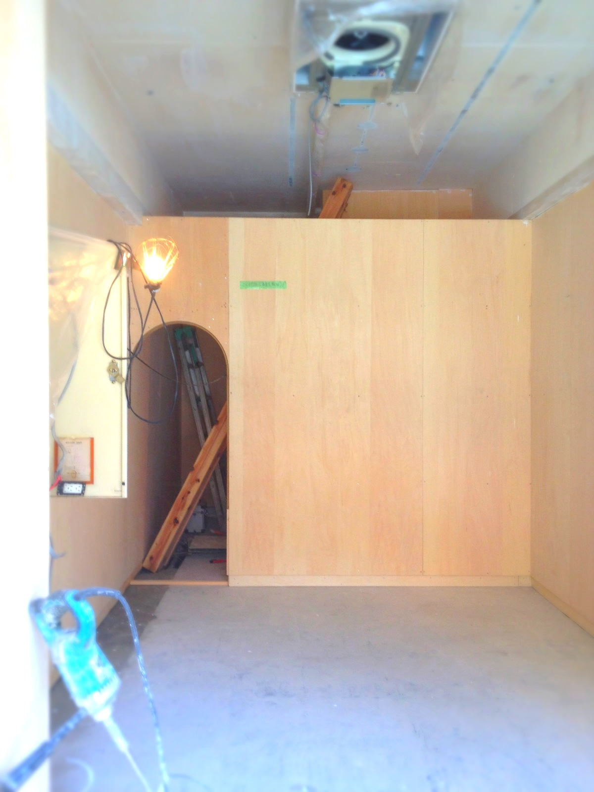 床作り/看板切り_e0272050_23514842.jpg