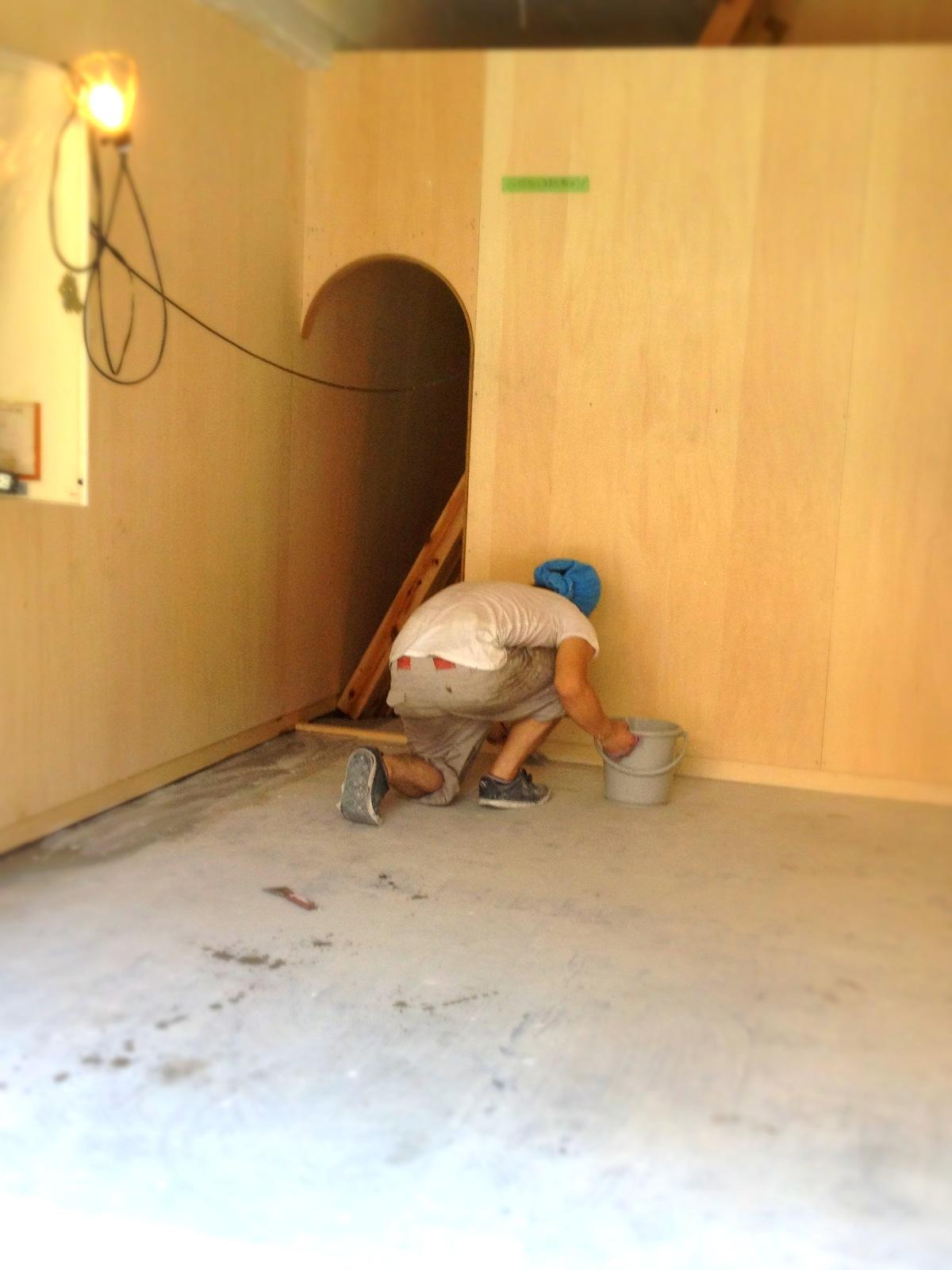 床作り/看板切り_e0272050_23531636.jpg