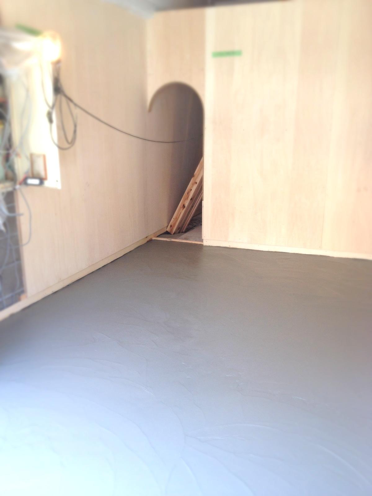 床作り/看板切り_e0272050_2359699.jpg