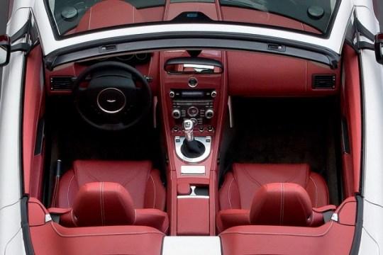 Aston Martin V12 Vantage Roadster_a0118453_19363729.jpg