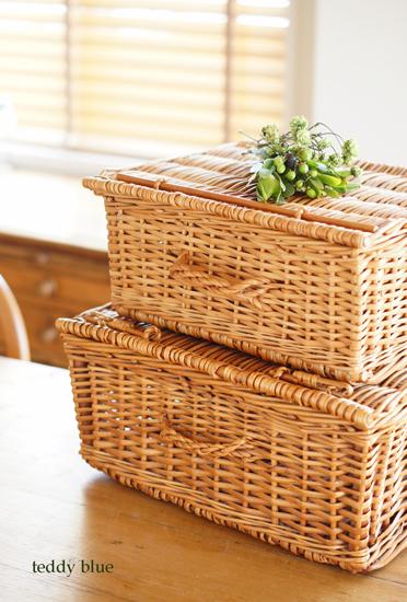 willow picnic hamper baskets  柳のピクニックバスケット_e0253364_17222412.jpg