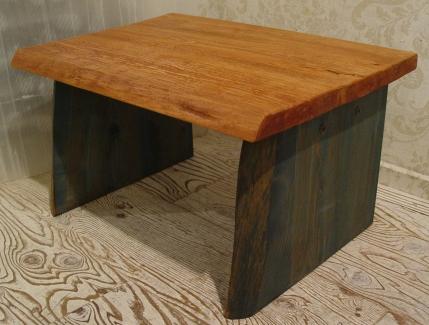 無垢材の小ぶりなテーブル 入荷!!_a0096367_21211665.jpg