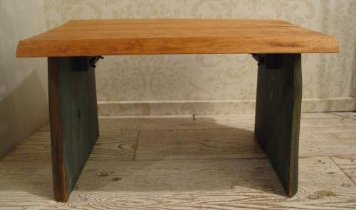無垢材の小ぶりなテーブル 入荷!!_a0096367_21212631.jpg