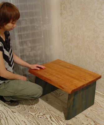 無垢材の小ぶりなテーブル 入荷!!_a0096367_21221182.jpg