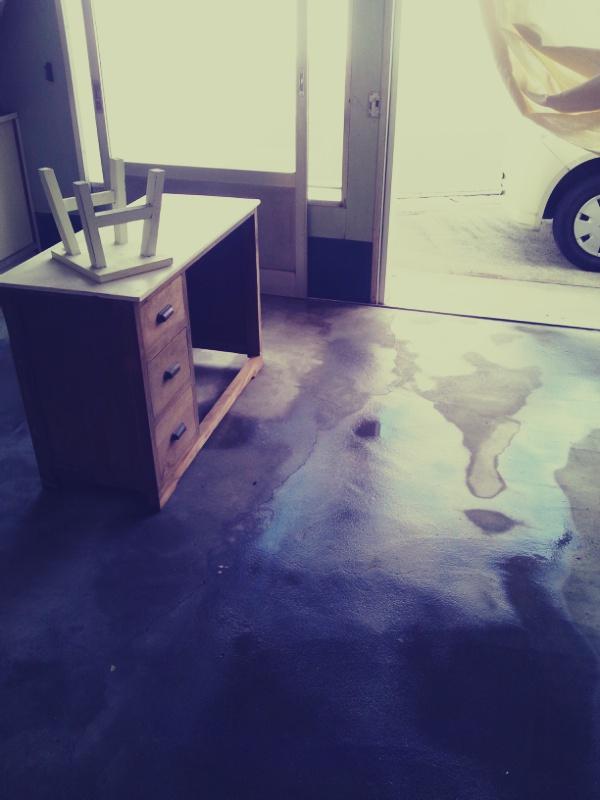 雨あがる。デッキブラシでお掃除。_c0246783_21355689.jpg