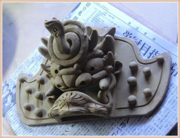 陶 芸 作 品 ( 巳年の鬼面飾り・・・第二弾、成形終了しました )_b0104092_12171967.jpg