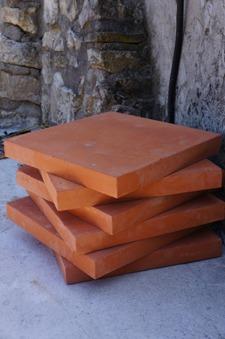 石窯作業更に進行中~アントネッロの「自分で石窯を作る」_f0106597_3301962.jpg
