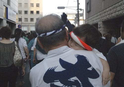 博多祇園山笠の追い山を見る_a0037907_1825771.jpg