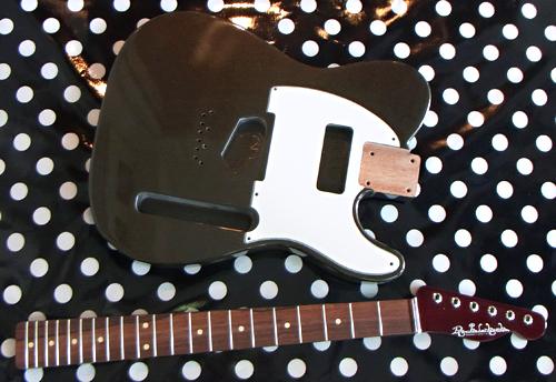 塩さんオーダーの「Moderncaster T #021」の塗装が完了。_e0053731_1935734.jpg