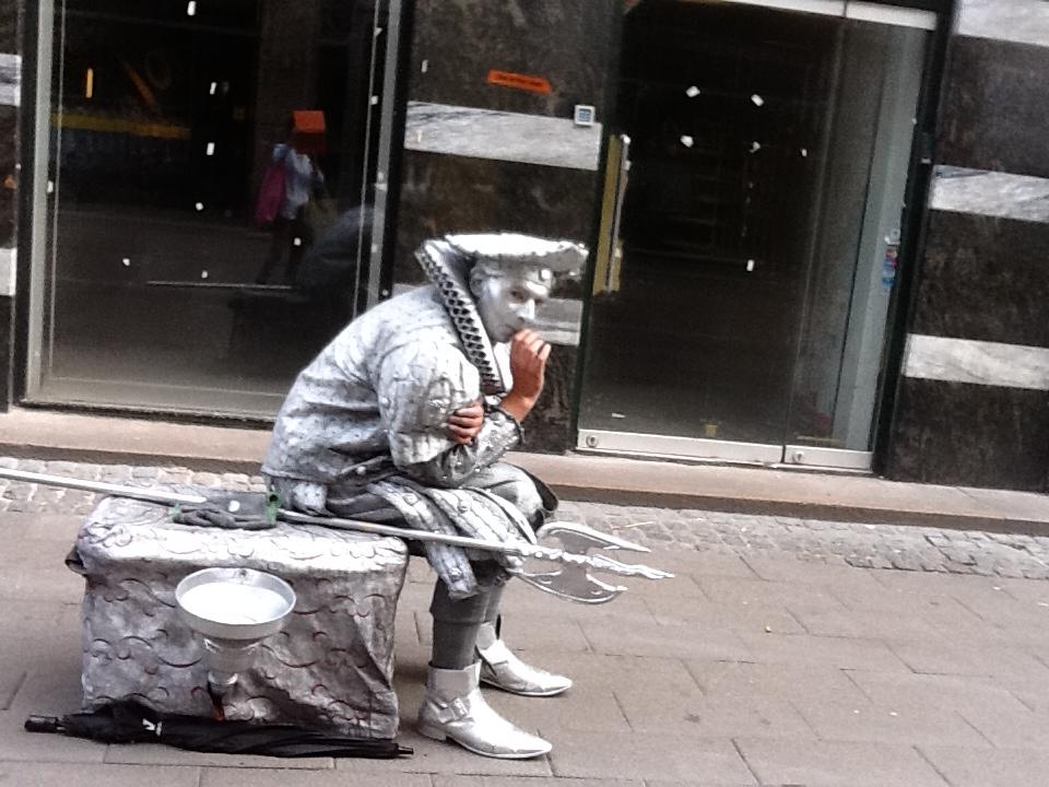 コペンハーゲンの街角でのひとコマ_b0137969_13325434.jpg