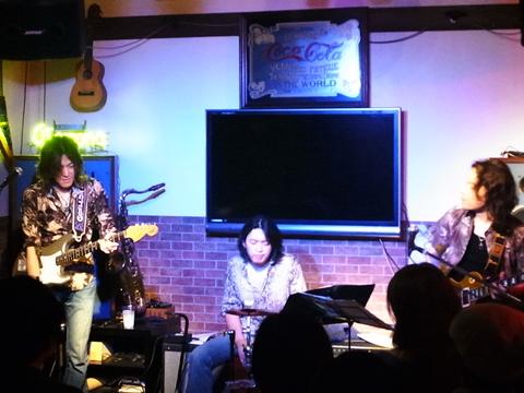 "ICHIRO JAM NIGHT ""Yer Blues""@デスペラードBar side_f0197703_21272451.jpg"