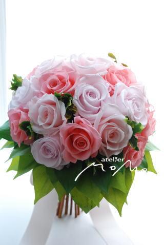 ピンクのバラがギュッとつまったクラッチブーケ_a0136507_16585748.jpg