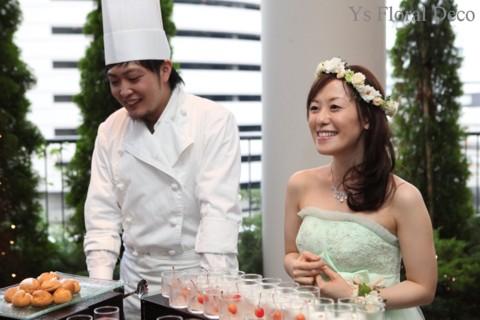 お色直しに花冠とリストレット 薄いグリーンのドレスに_b0113510_23255967.jpg