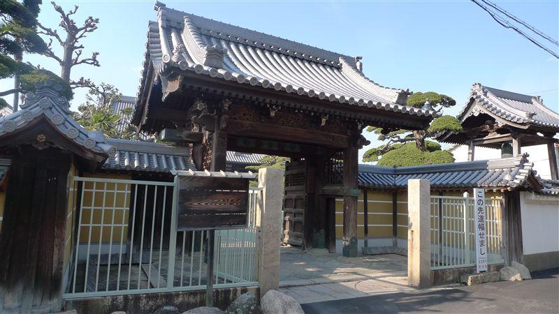 泉佐野の街並み_f0139570_3254052.jpg