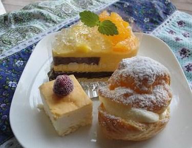 明日のケーキ♪_e0170128_21204813.jpg