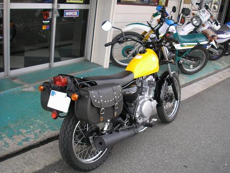 【250ccのバイクにリアキャリアとサイドバッグを取り付けました】_e0218639_10451324.jpg