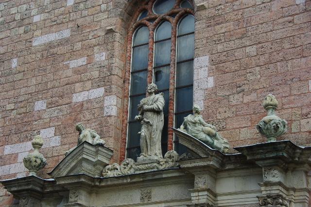 ラトヴィア(16) リガ旧市街散策(7) 聖ペテロ教会・聖ヨハネ教会_c0011649_4272237.jpg