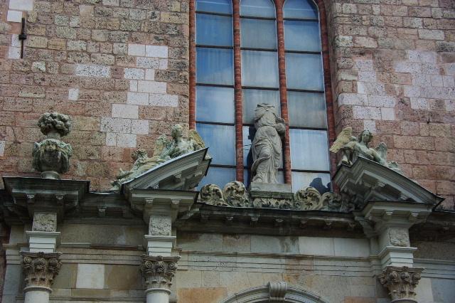 ラトヴィア(16) リガ旧市街散策(7) 聖ペテロ教会・聖ヨハネ教会_c0011649_4274446.jpg