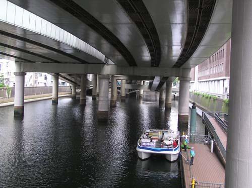 久しぶりに東京で見たこと_f0211178_1856353.jpg
