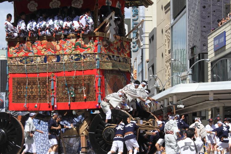 祇園祭 ~山鉾巡行~(前編)_e0051888_0574235.jpg