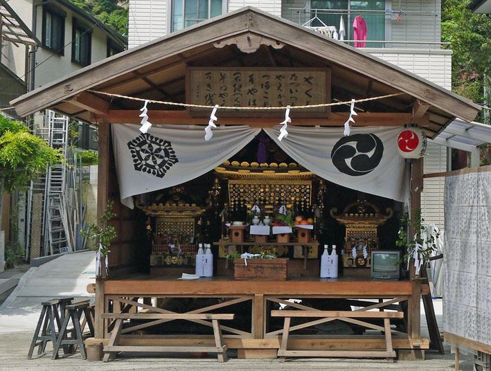 12年の山ノ内八雲神社例大祭、神輿渡御は22日正午から_c0014967_11214711.jpg