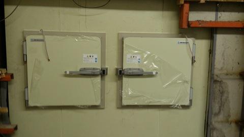 冷凍室の新しい扉。_d0182179_20375936.jpg