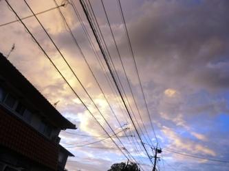 久しぶりに、夕方の空を見上げて。_e0188087_22555692.jpg