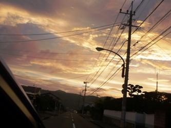 久しぶりに、夕方の空を見上げて。_e0188087_2255994.jpg