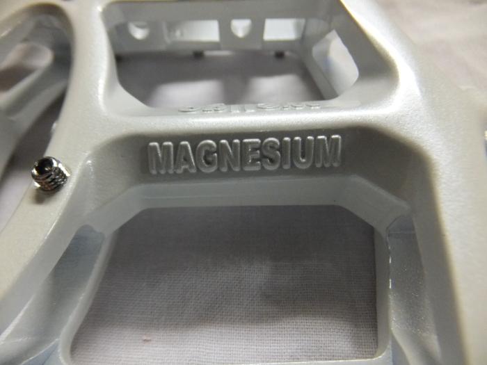 ウェルゴ マグネシウム デカペダル!_c0226202_19131186.jpg