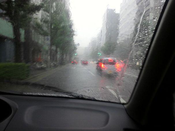 不安定な天気ですね_b0144380_19552693.jpg