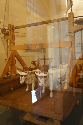 ブルネッレスキの発明品を発見~フィレンツェのドゥオーモ_f0106597_046983.jpg