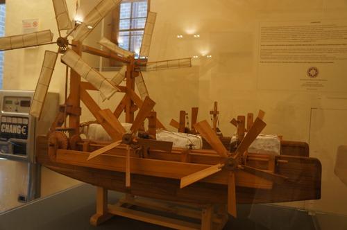 ブルネッレスキの発明品を発見~フィレンツェのドゥオーモ_f0106597_1232830.jpg