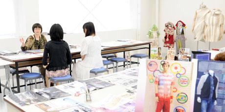 2012年7月21日,22日にNSCカレッジでは体験入学が開催 その2_b0110019_21311611.jpg