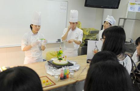 2012年7月21日,22日にNSCカレッジでは体験入学が開催 その3_b0110019_23514991.jpg