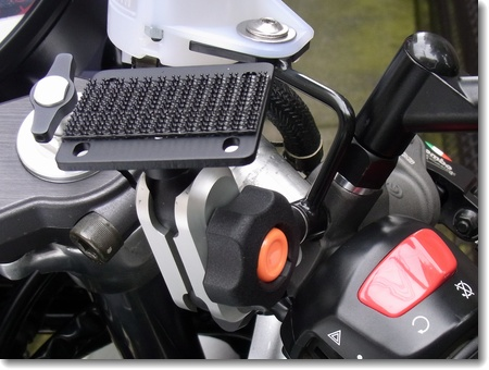 MOTO GPS RADAR用マウンター取り付け_c0147448_16212240.jpg